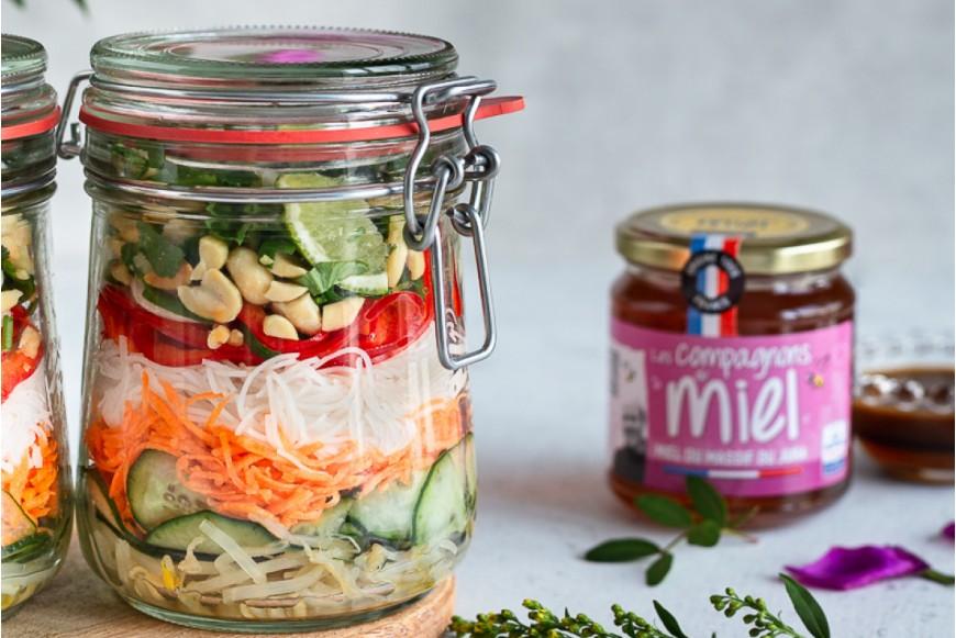 Recette Salade inspiration Thaï à la sauce miel-gingembre-cacahuète